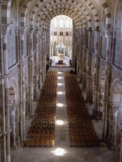 Basilika Sainte-Marie-Madeleine Vézelay - Lichtweg zur Sommersonnenwende